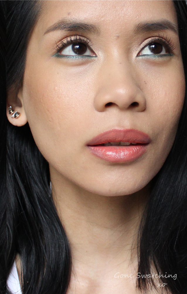 Coral-Lips-and-turquoise-liner-Makeup-Tutorial-with-Organic,-Natural-and-non-toxic-makeup,-featuring-Ilia-Beauty-In-Paradise