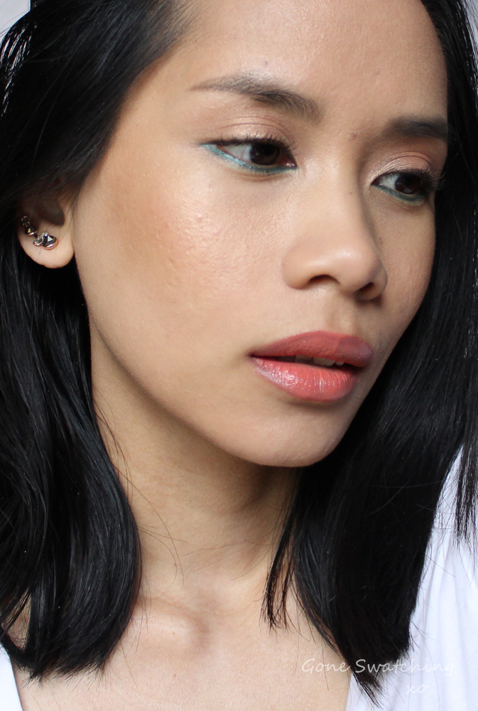 Coral-Lips-and-turquoise-liner-Makeup-Tutorial-with-Organic,-Natural-and-non-toxic-makeup