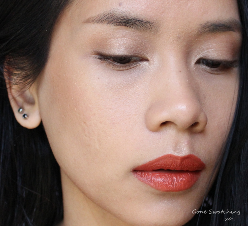 Bold-Orange-Lip-Makeup-Tutorial-with-only-natural-and-organic-makeup,-featuring-Nudus-in-Bittersweet