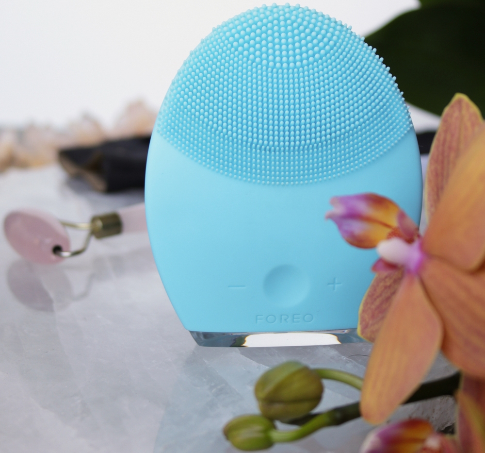 Beauty Tools Review. Foreo Luna 2. Gone Swatching xo