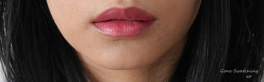 Vapour Organic Beauty Artist Multi Use Palette in Flame. Siren Lipstick in Hint Swatch. Gone Swatching xo