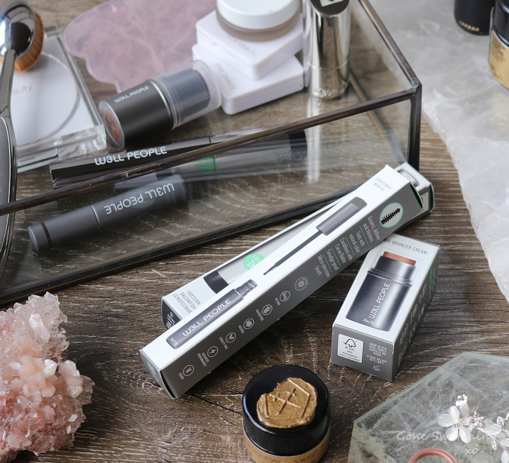 W3LL People Expressionist Volumizing Black Mascara, Brow Gel & Bio Bronzer Review. Green Beauty Blogger Gone Swatching xo