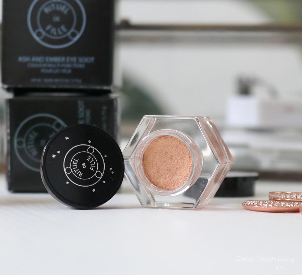 Rituel de Fille Ash & Ember Eye Soot Divinus. Australian Green, Natural Beauty Blogger Gone Swatching xo