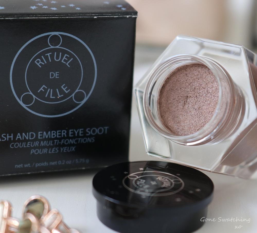 Rituel de Fille Ash & Ember Eye Soot Half Light. Australian Green, Natural Beauty Blogger Gone Swatching xo