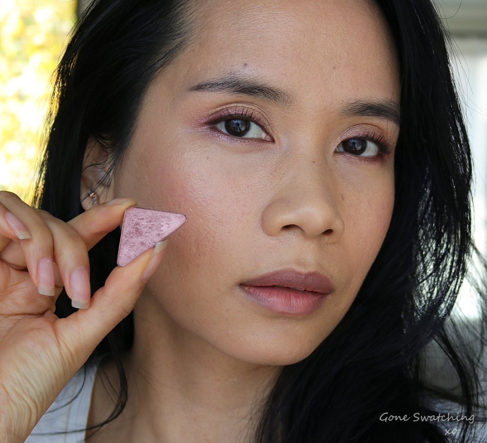 Athr Beauty Rose Gold Eyeshadow Single Review & Swatches. Natural & Green Beauty Blogger. Gone Swatching xo