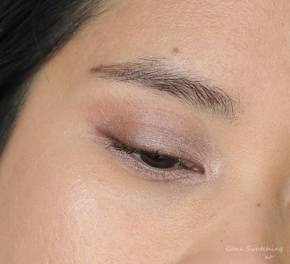 Rituel de Fille Ash & Ember Eye Soot Half Light. Eye swatch on Asian medium skin tone. Australian Green, Natural Beauty Blogger Gone Swatching x