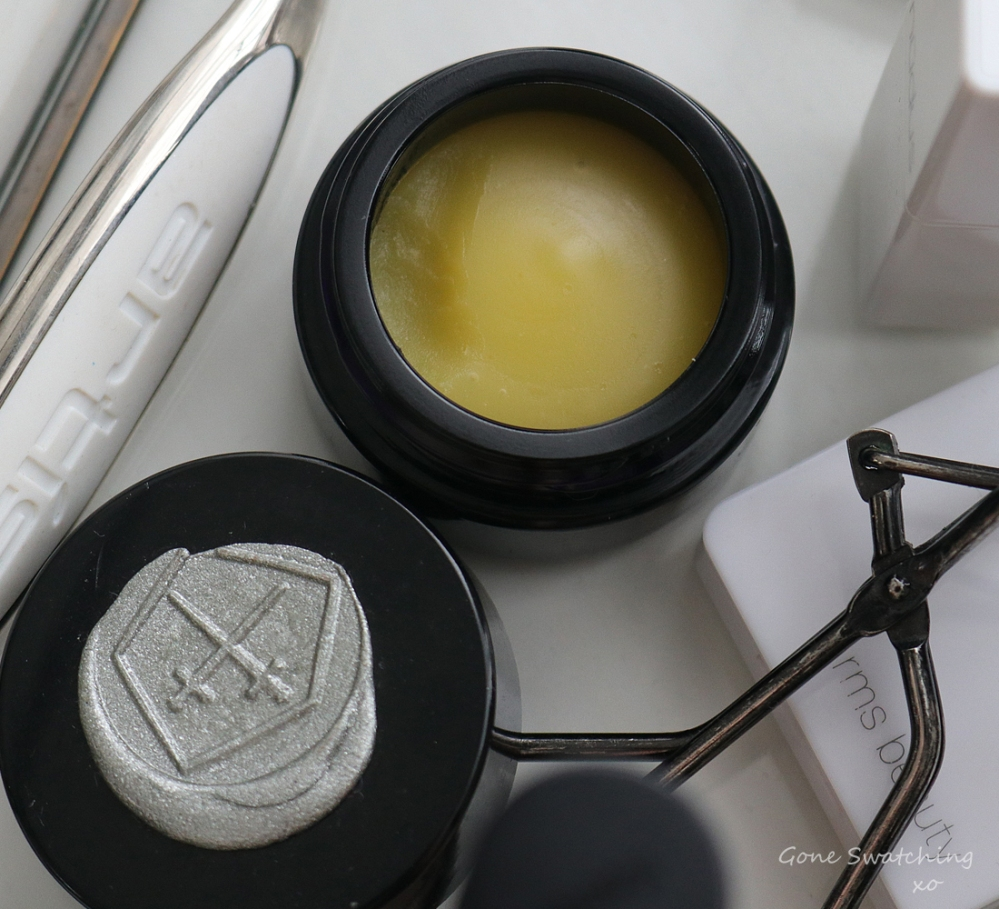 Lepaar Wholistic Skincare Review. Transforming Eye Balm Texture. Green Beauty Blogger Gone Swatching xo