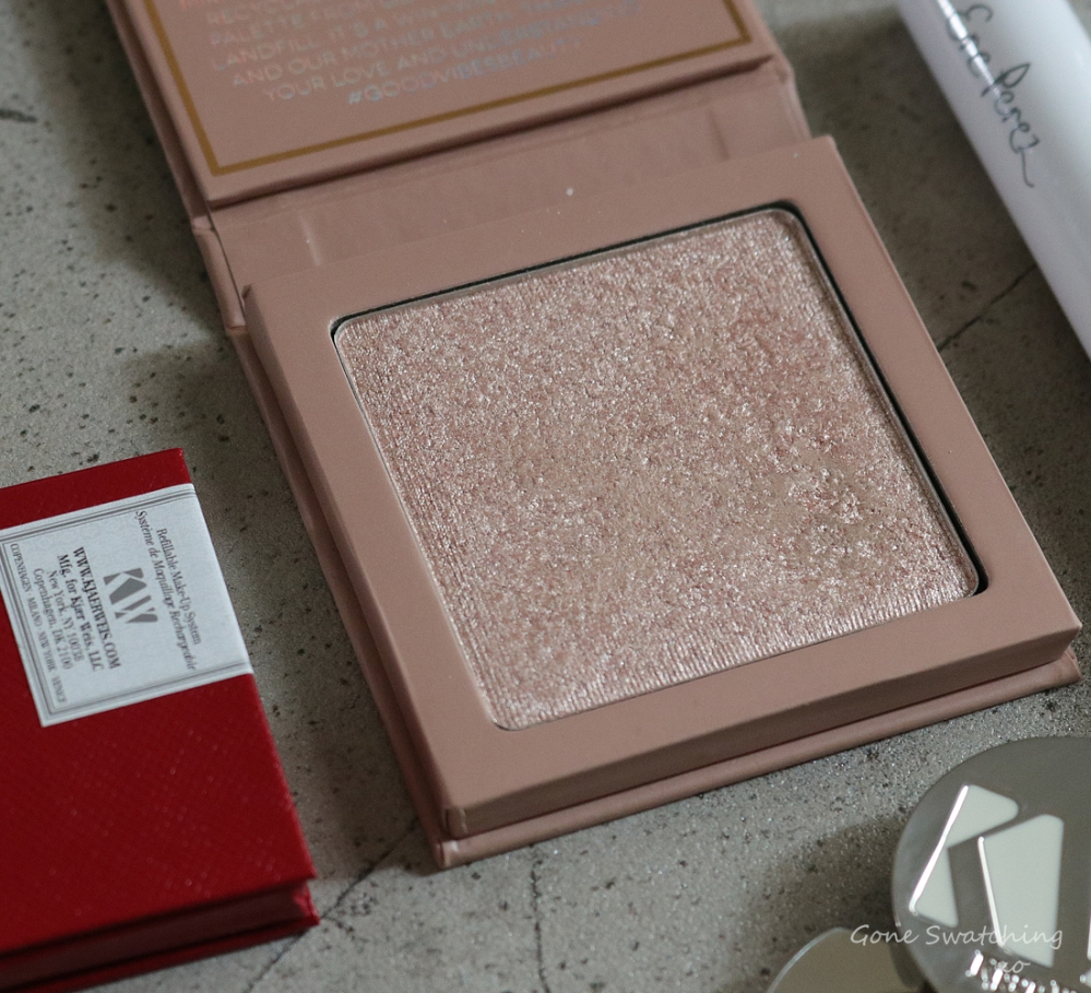 My Organic, Non-toxic & Natural Wedding Makeup Wishlist. Aether Beauty Supernova Highlight. Green Beauty Blogger & Lipstick Swatches Gone Swatching xo